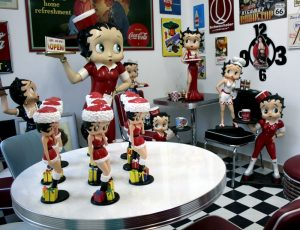 Betty Boop im Office